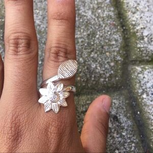 Peruvian Silver Flower and Leaf Ring